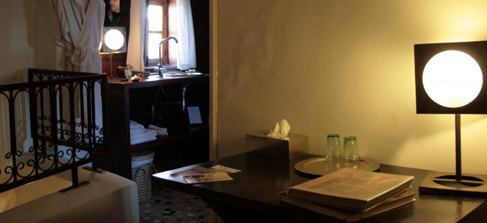 RiadLaaroussa Hotel Fez - Brown room